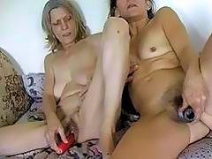 HOT Two granny masturbating with dildo
